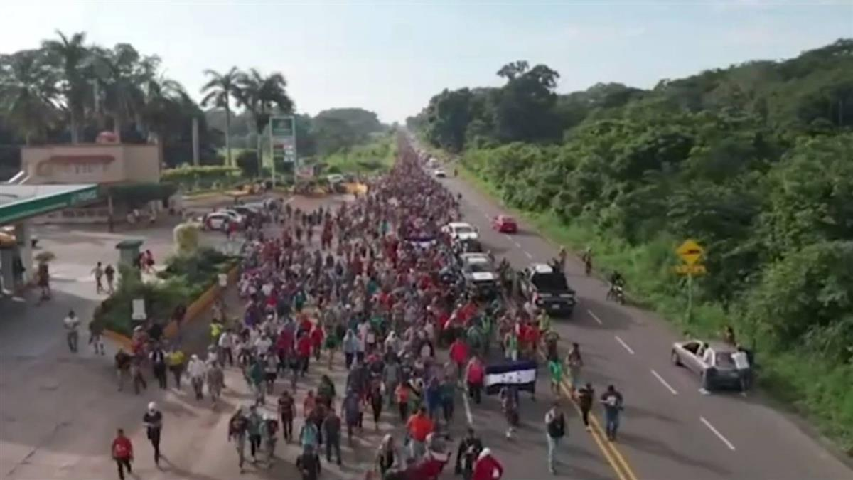 移民隊伍進入墨西哥續朝美國挺進