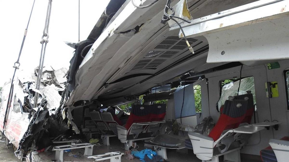 普悠瑪出軌釀18死 法院裁定司機員50萬交保