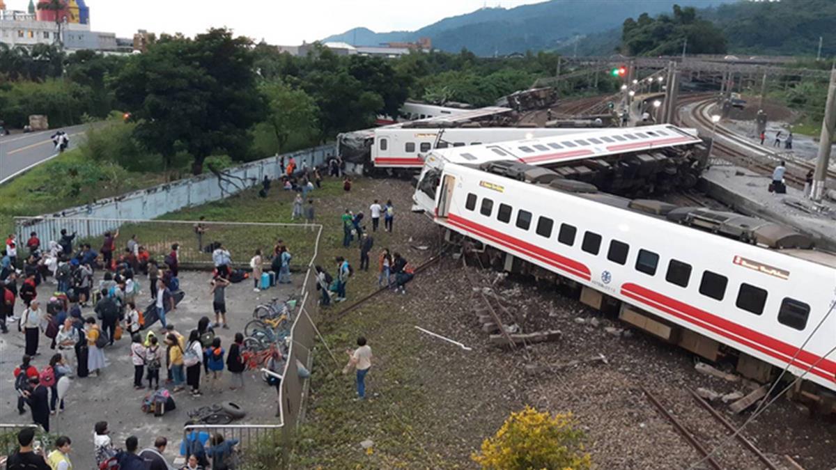 傳普悠瑪事故前2簡訊示警 台鐵交通部不回應
