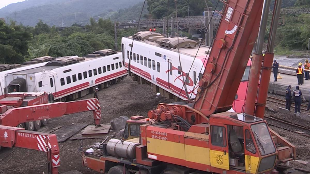 普悠瑪列車事故路段今早通車 乘客感謝無名英雄辛勞