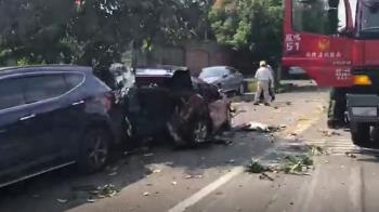 報廢消防車疑煞車失靈  下坡連撞10車幸無人傷