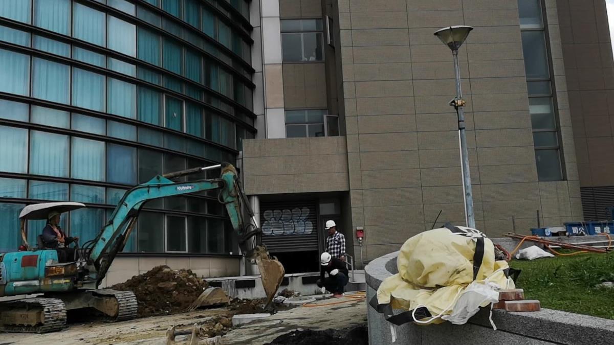 文化大學驚傳墜樓 約30歲女子送陽明醫院搶救