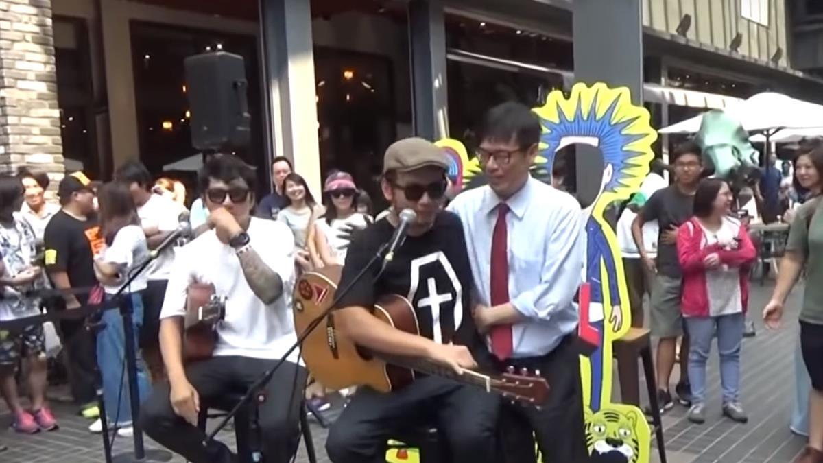 滅火器樂團挺陳其邁 競選主題曲變搖滾版