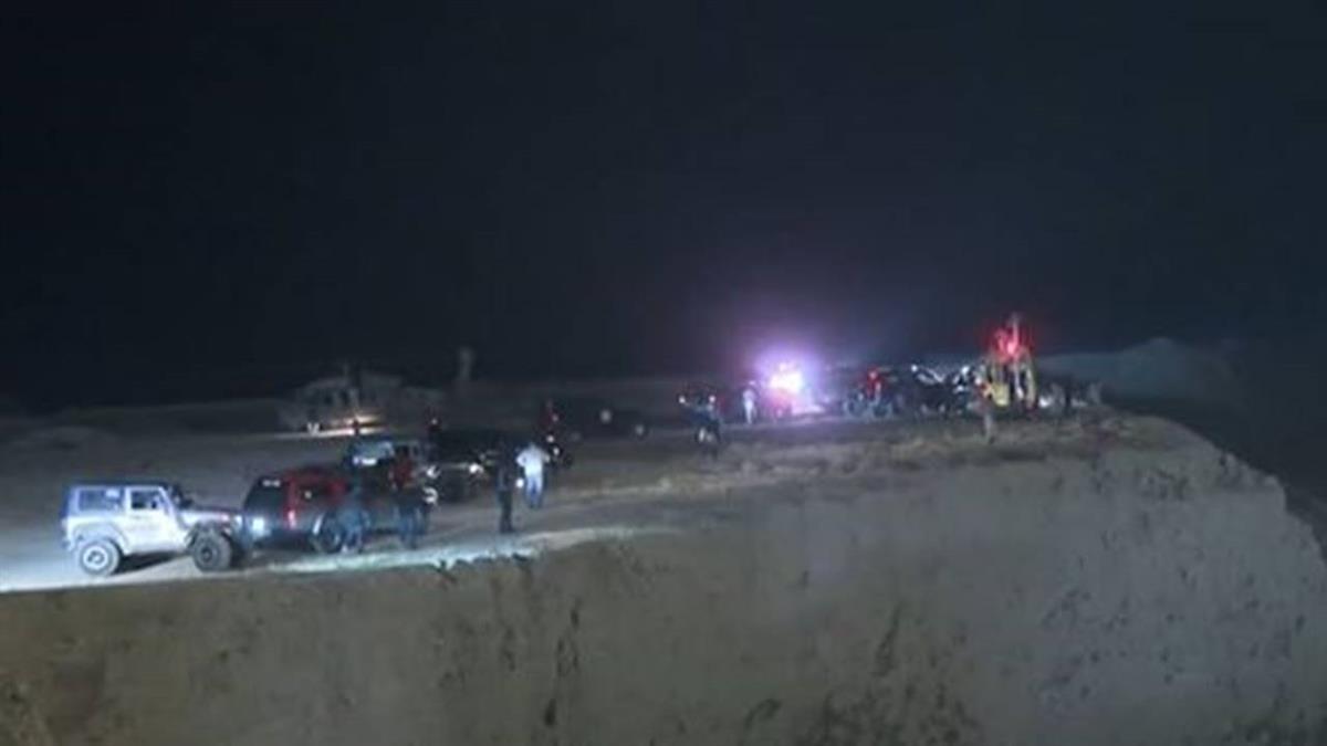 開校車到「死海溫泉區」郊遊 洪水來襲…奪師生18命!