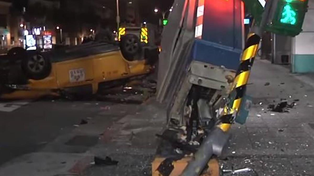 Uber撞小黃乘客彈飛 疑未繫安全帶重創昏迷