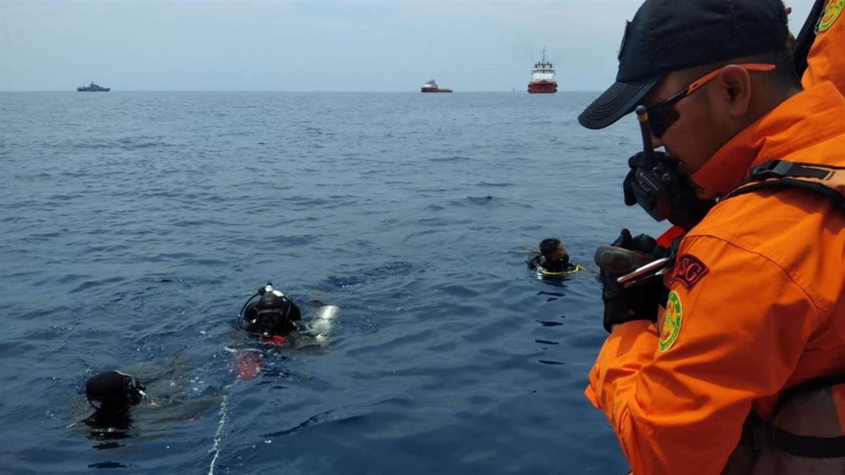 印尼獅航JT 610黑盒子尋獲 失事謎團可望有解