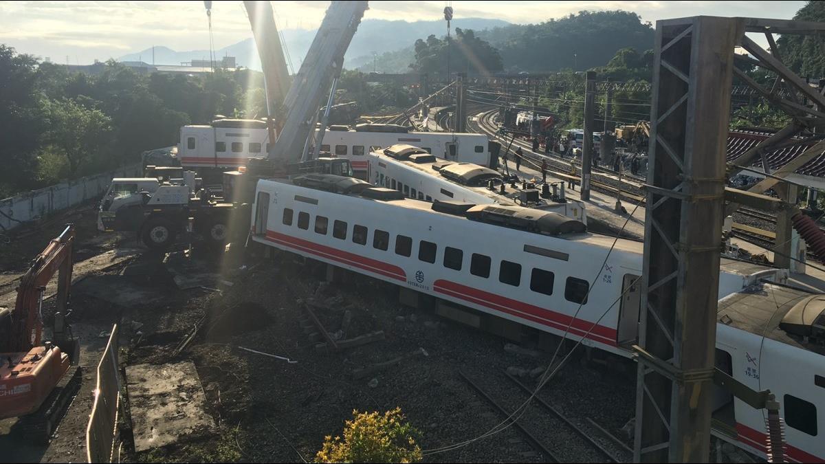 普悠瑪翻覆18死!日本製造商鬆口認:列車設計有疏失