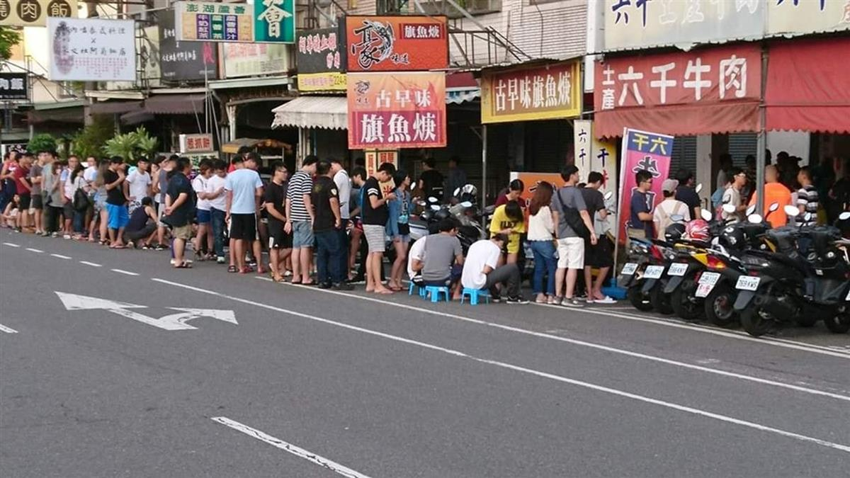 凌晨3點搶號碼牌!台南牛肉湯超夯 在地人:真的不懂