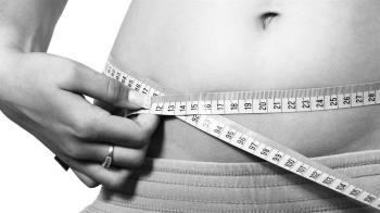 月甩5kg!網瘋傳「8杯水減肥法」專家:3種人不適用