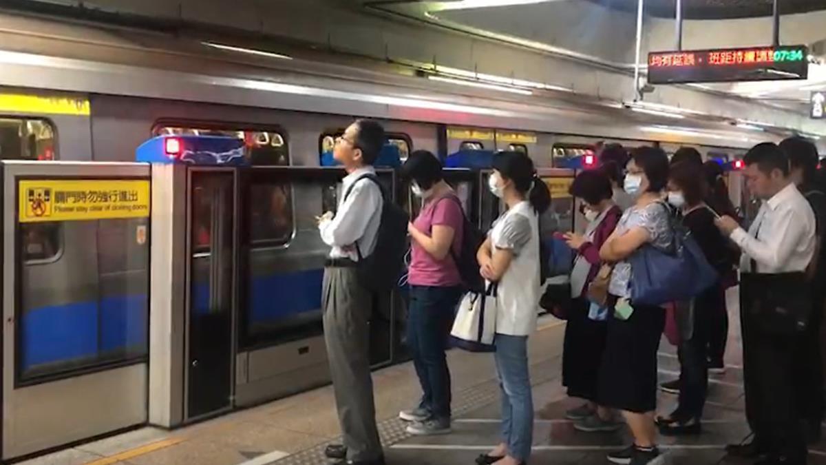 捷運電梯工程冒火花 北捷:已撲滅不影響營運