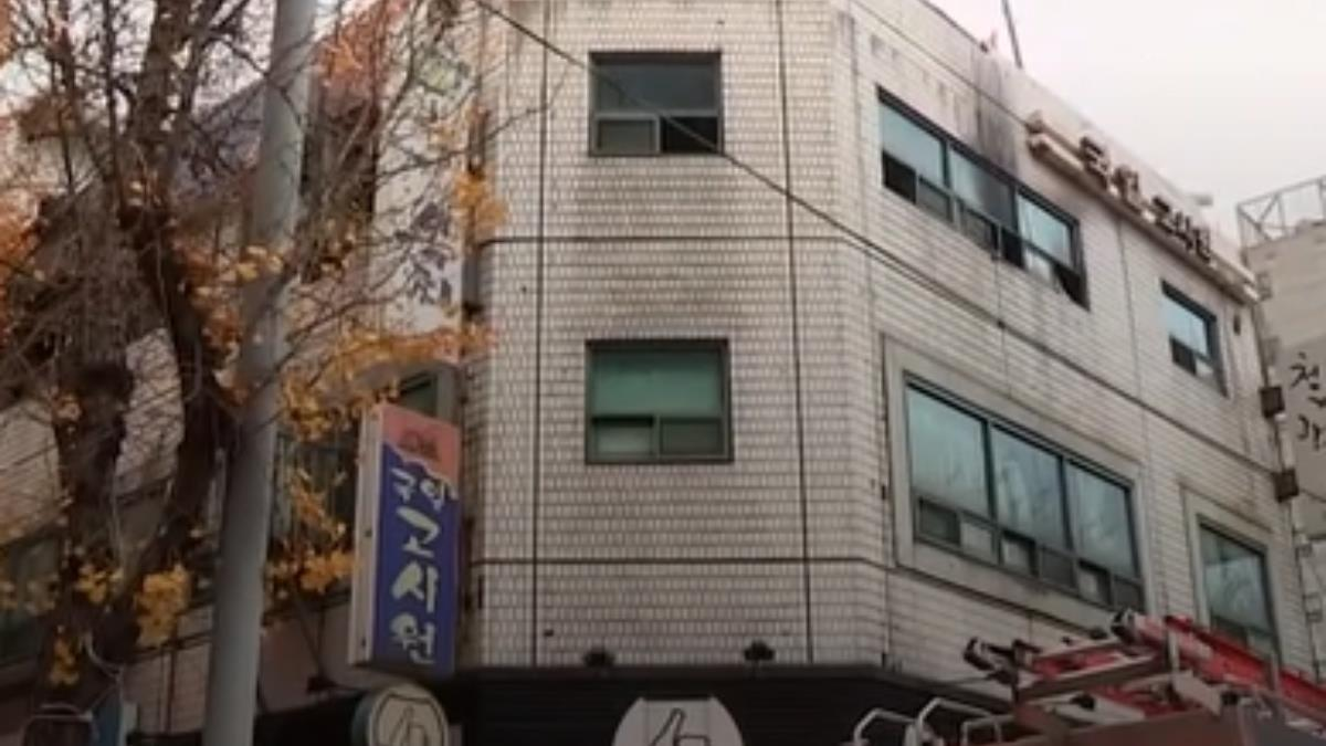 首爾破舊公寓竄惡火 釀7死11傷…多為臨時工