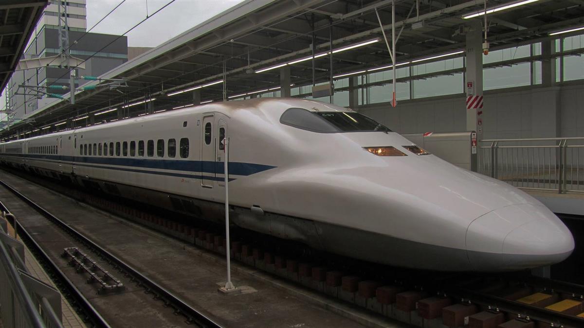 日本新幹線車內冒煙停駛 4乘客不適送醫