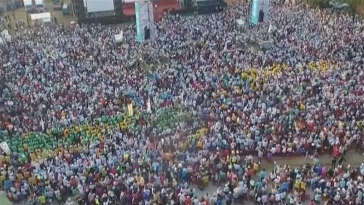 不怕夜襲!陳其邁支持者擠爆體育場 展「厚實」人牆
