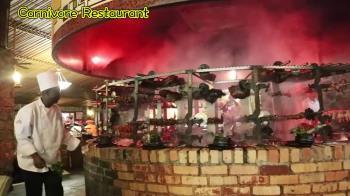 超浮誇南非百獸宴!網紅大嗑羚羊肉 挑戰舌尖驚奇
