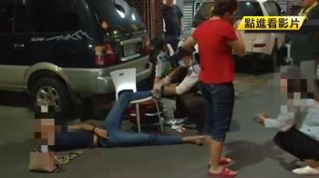 載男友返家意外 女駕駛失速衝騎樓撞毀攤車