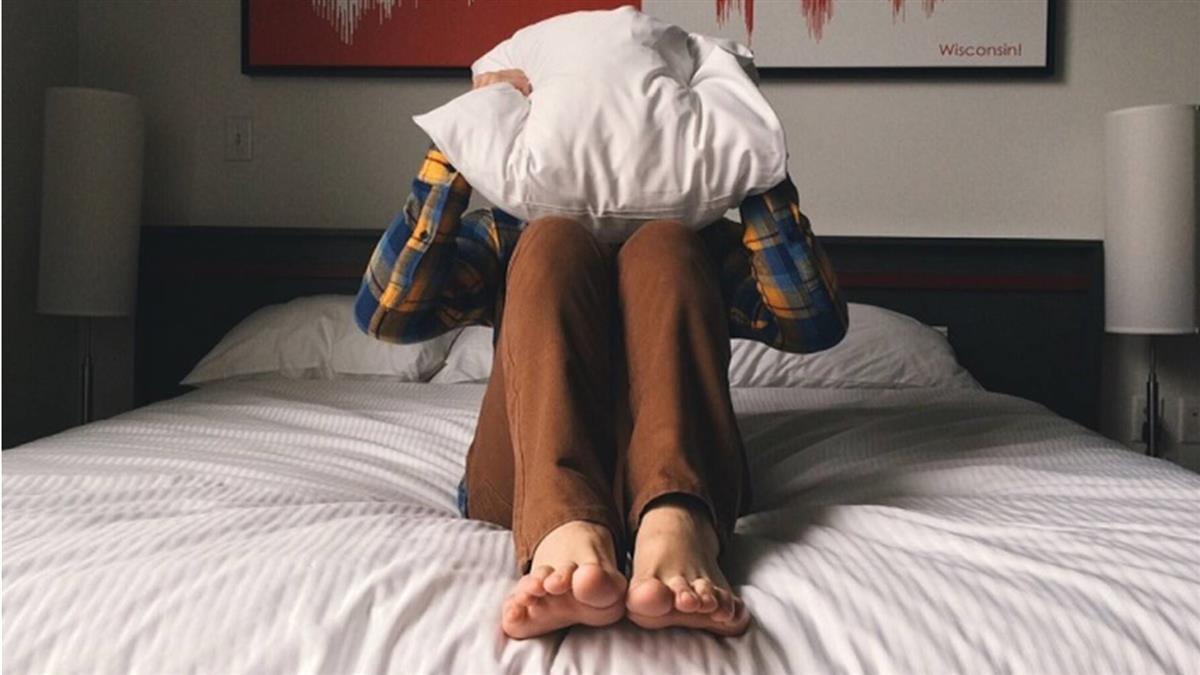 別數羊了!美軍「2分鐘睡眠法」 喝完咖啡都能秒睡