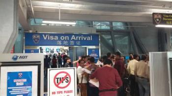 泰國免落地簽證費上路!遊客擠爆...尖峰時段深夜和凌晨