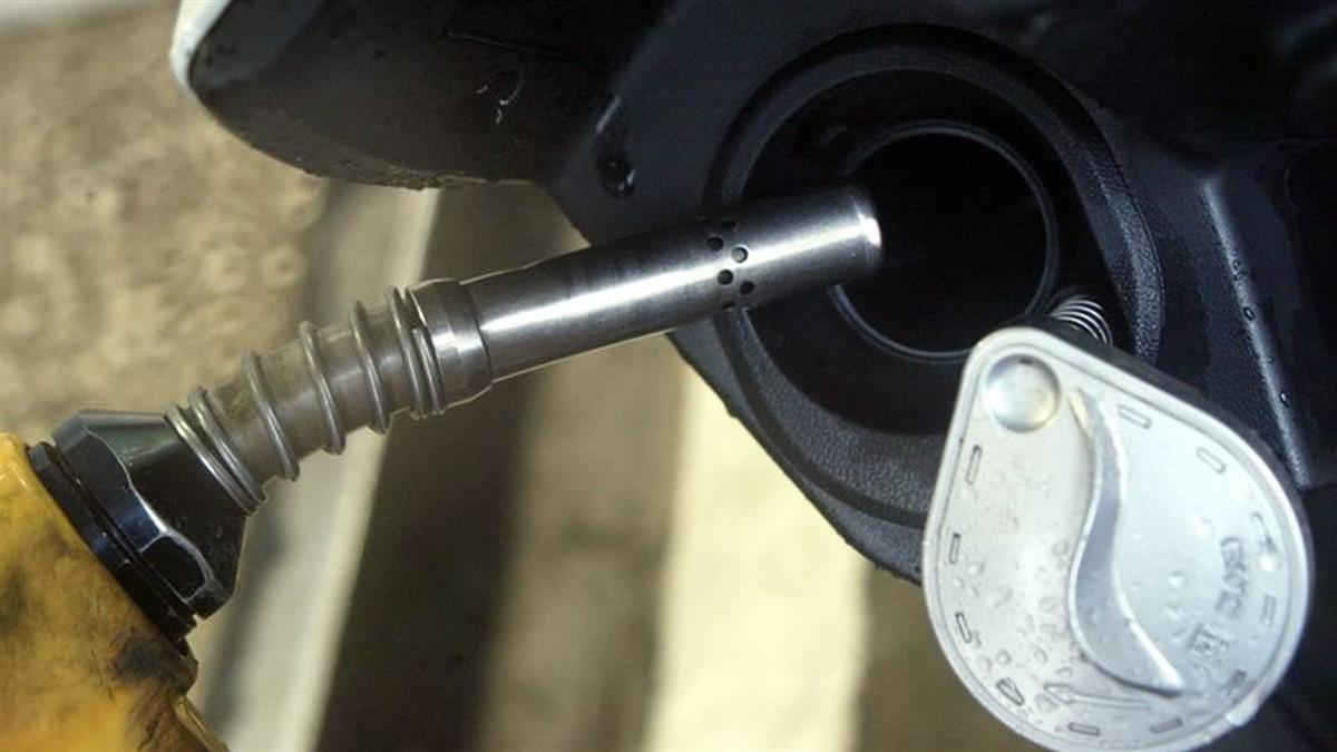 汽油19日起調降7角 95無鉛重回2字頭