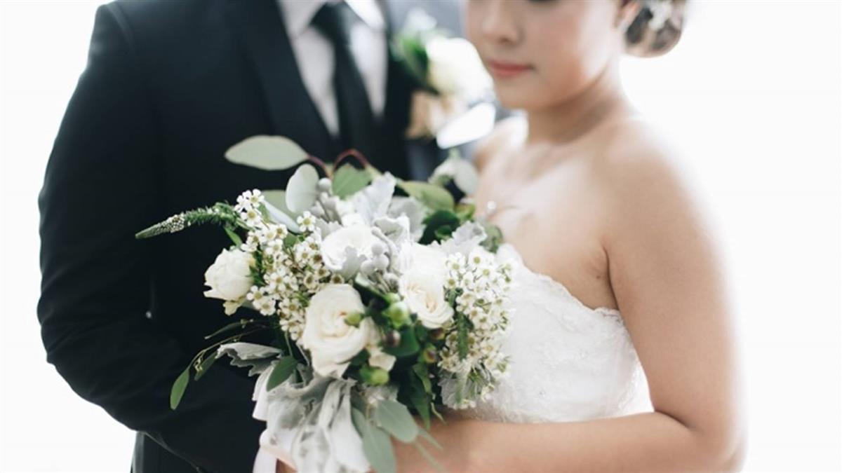結婚前夕發現未婚夫偷吃 她婚禮當天展開神復仇!
