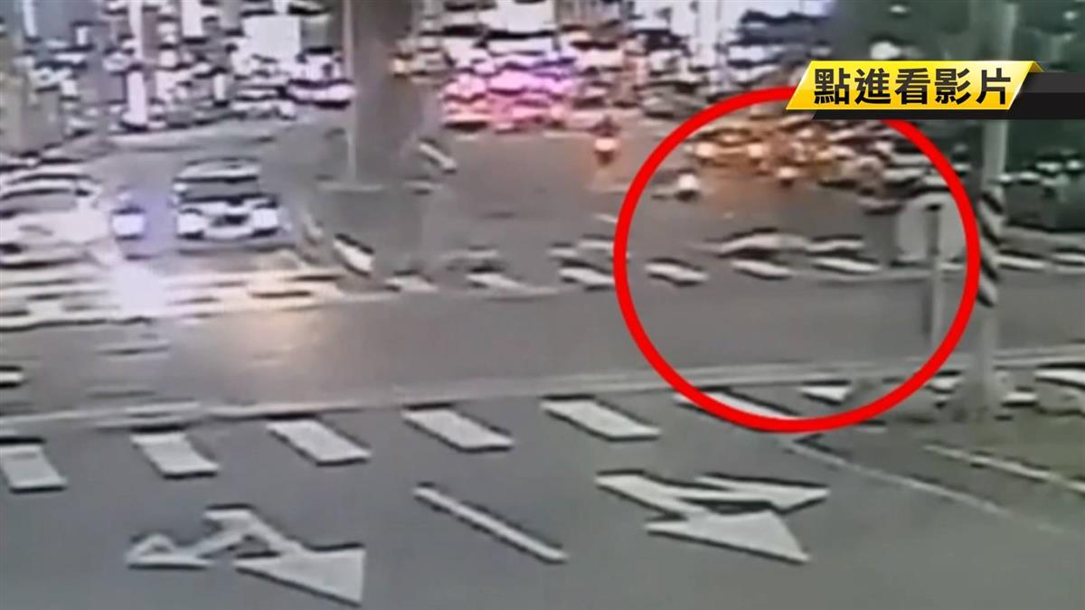 8旬翁騎單車闖紅燈 遭機車攔腰撞傷重不治