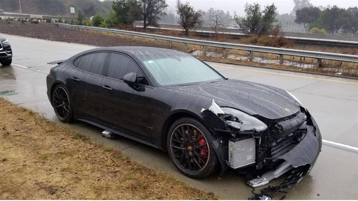 NBA球星柯瑞車禍 所幸未受傷