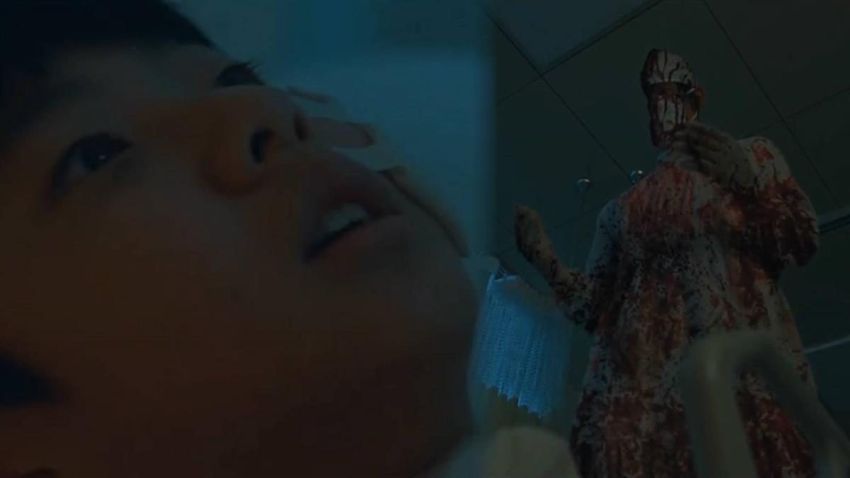 驚見半身染血鬼醫勒脖 《驅魔神醫》狂度直逼大法師