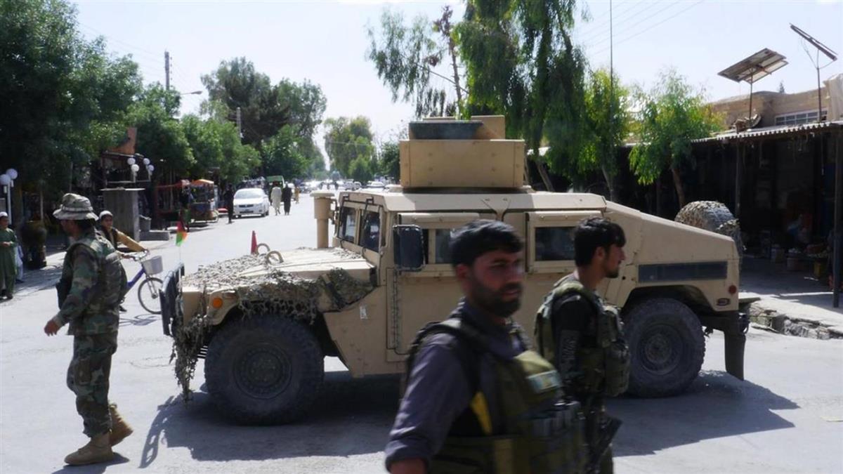 塔利班襲擊阿富汗警方車隊 20餘人喪命
