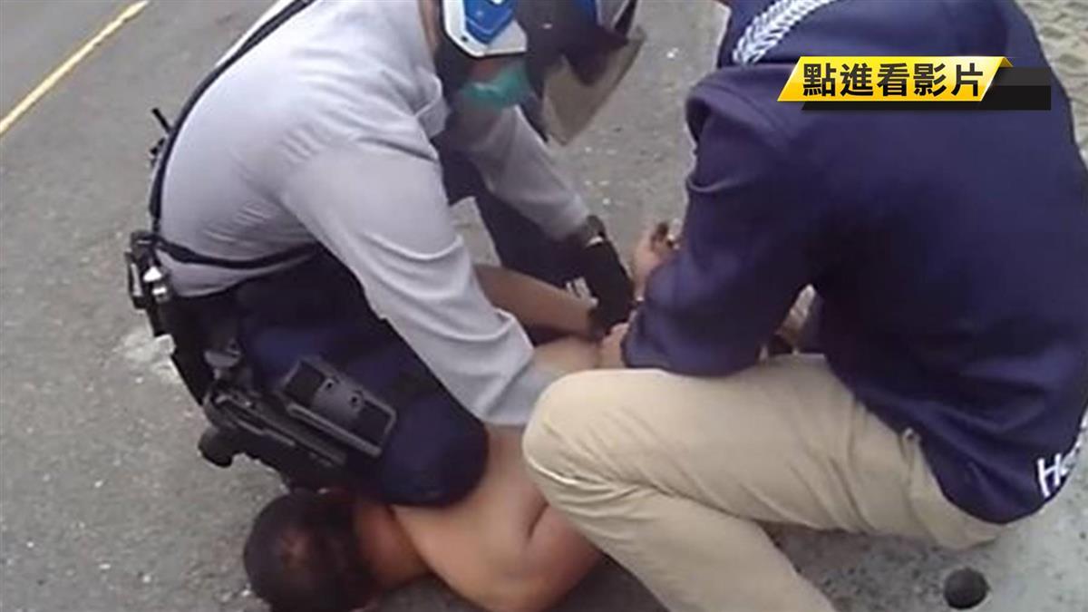男路口揮刀與警爆扭打遭制伏 警臉部受傷