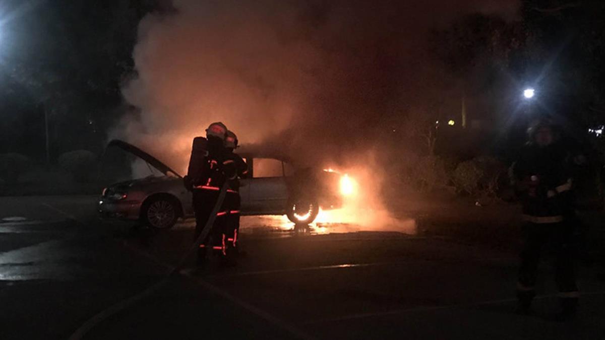 國父紀念館停車場火燒車 警消發現一具焦屍