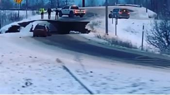 阿拉斯加7.0強震搖2分鐘 道路坍塌、民驚逃