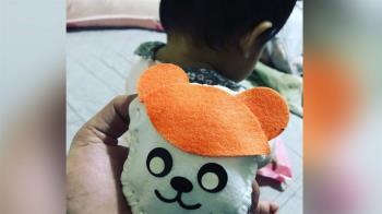 中風阿公手抖「縫娃娃」送8月大孫女 他秒飆男兒淚