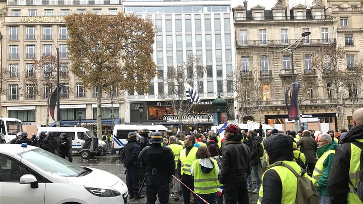50年來最嚴重暴亂後  巴黎市中心面目全非忙善後