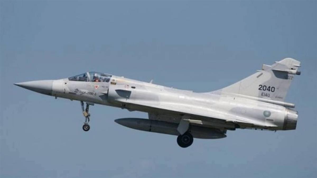 飛官何子雨失聯逾一年 空軍:尋獲幻象戰機零件