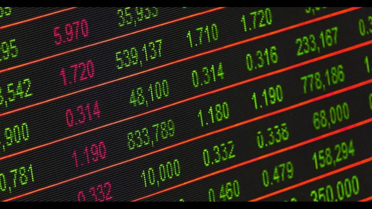 美成長趨緩和貿易戰疑慮 美股暴跌逾3%