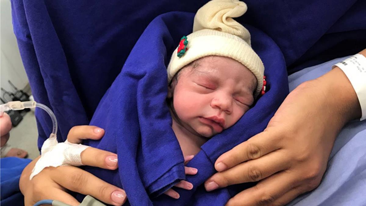 全球首例!婦移植「死者子宮」誕女嬰 醫:拯救不孕症