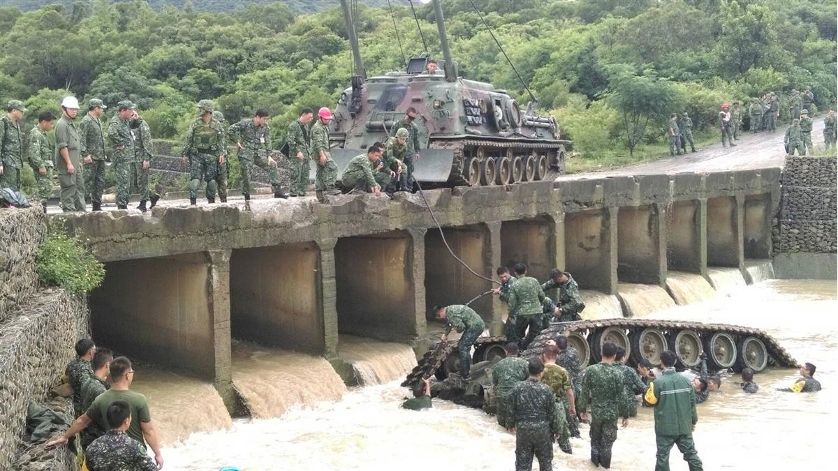 驚傳戰車夾人意外!陸軍564裝甲旅1士官肝脾胰臟破裂