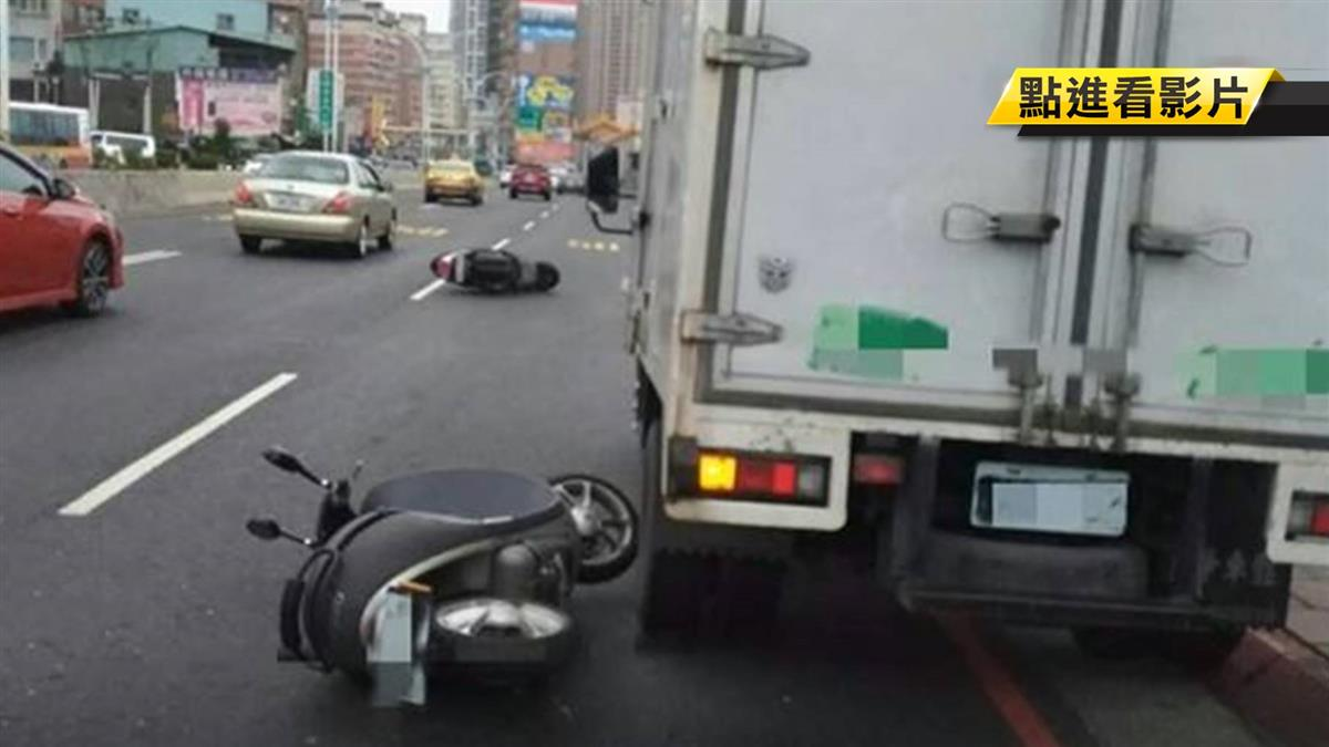 驚險!貨車違停害追撞 機車騎士險遭後車輾
