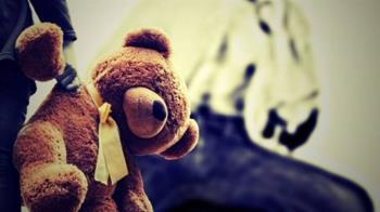 男童遭「吐菸灌嘴」虐死!惡情侶竟互傳訊炫耀 判12年