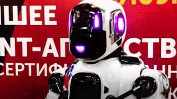 俄「最先進」機器人舞技高超 下秒脖子露餡…嚇壞人