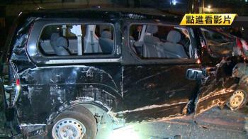 9名同學高雄租車北上 凌晨自撞翻車…直撞電線桿!