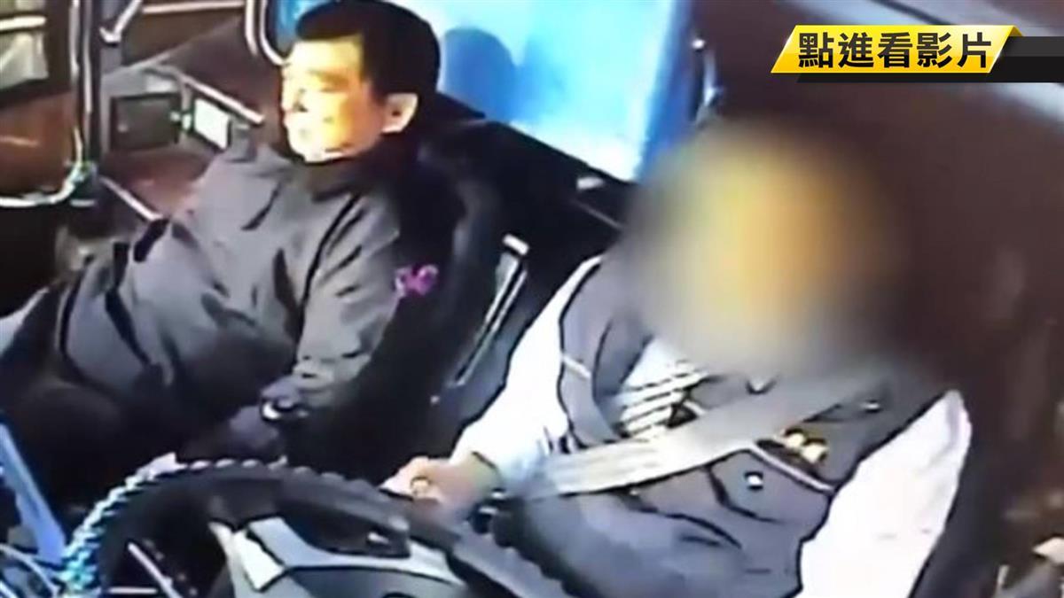國道驚魂!出殯車隊司機昏迷 2男救全車