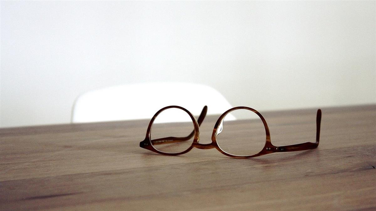 從實招來!眼科診所兼賣眼鏡…銷售行為須繳稅並開發票