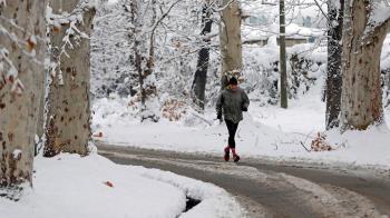 跨年夜又濕又冷!元旦迎不了曙光 上玉山追「初雪」