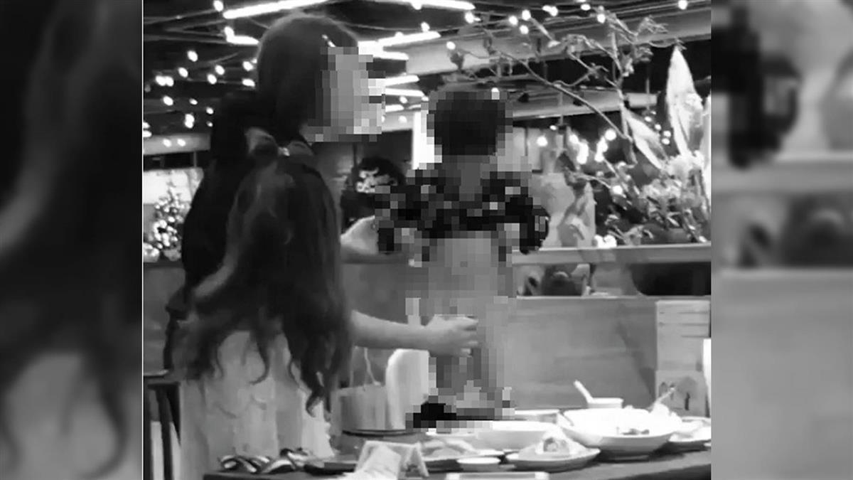 男童站春水堂餐桌 當眾脫褲解放!她遞杯接尿:有錯嗎