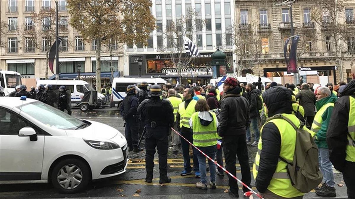 黃背心亂法國經濟 逾4萬勞工工時被迫減少