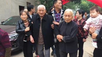 【兩岸尋親】江西親人熱烈歡迎 99歲老兵陳竹生爺爺回家