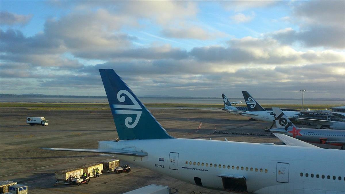 冬季風暴襲美!千百航班延誤取消 旅客叫苦連天