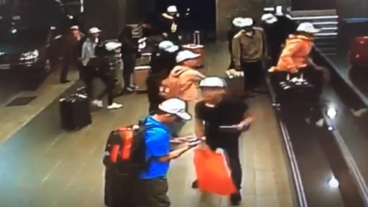 旅行團逃脫案17人被留置 越南要求人道處理
