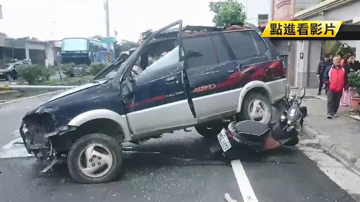 奪命恐怖3秒!79歲翁飛車撞死20歲軍人 路人看他吐血斷氣