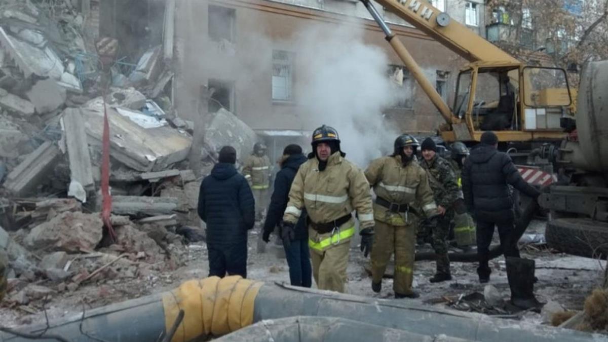 奇蹟!樓塌受困35小時 俄10個月大男嬰獲救